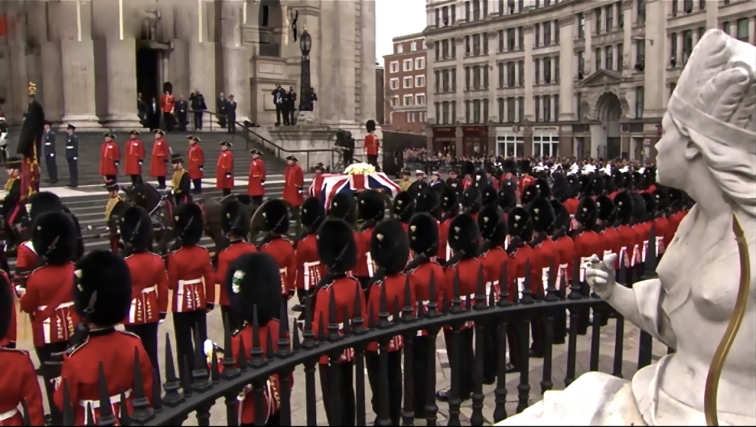 Procession arrives at St. Paul's Catherdral