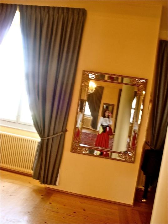 24/7 surveillance: eyes, cameras, mirrors … cameras in and behind mirrors? - postgutenberg[at]gmail.com